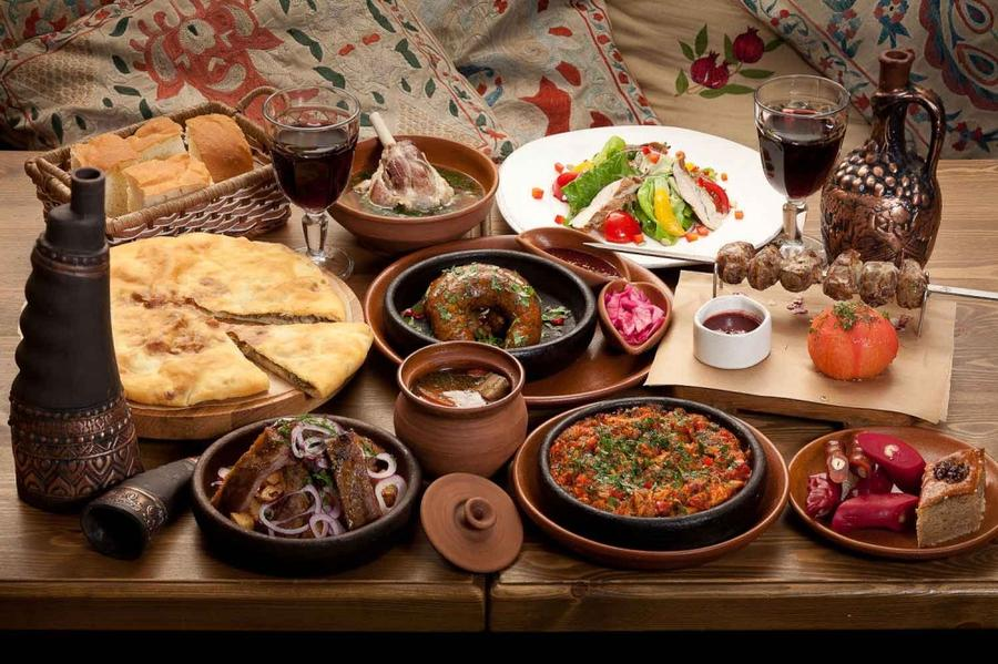 17. Грузинская кухня — неотъемлемая часть культуры этой страны.