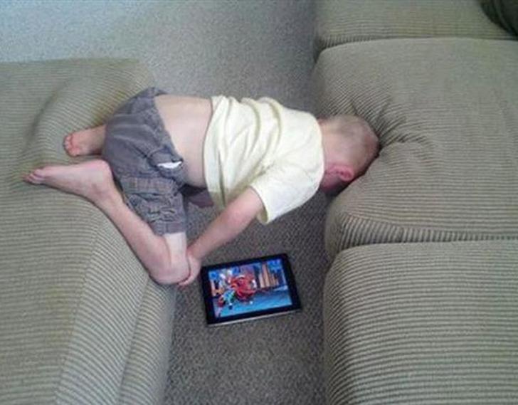 Если ребенку так удобнее, почему бы и нет.