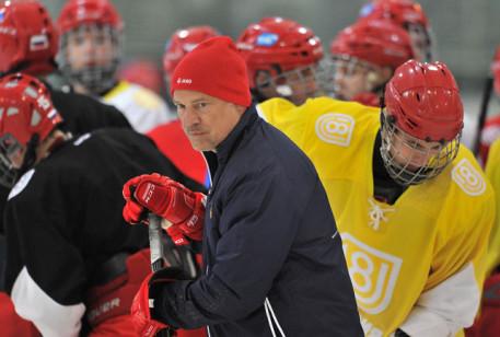 Юниорскую сборную Российской Федерации похоккею уличили вприеме мельдония