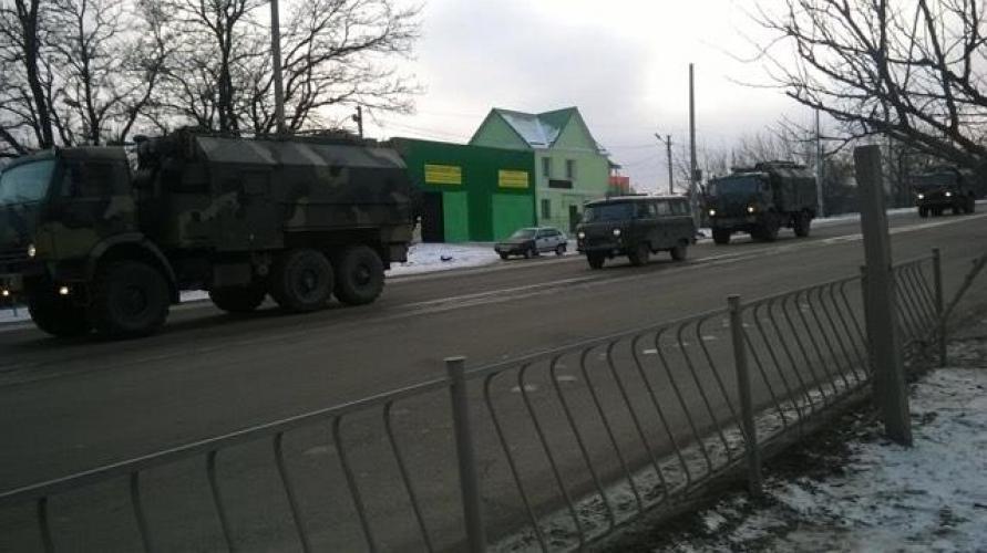 В захваченный Симферополь заехала новая военная техникаРФ