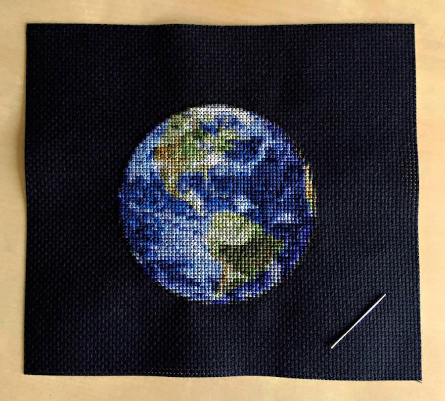 Cross-Stitching Planets (6 pics)