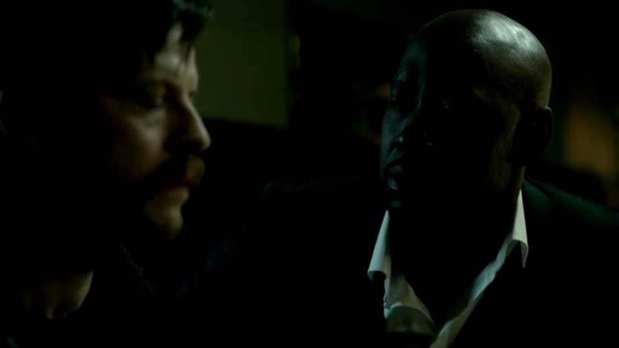 Актеры и персонажи эпизода 1.09 A Priest Walks Into a Bar сериала «Люцифер»