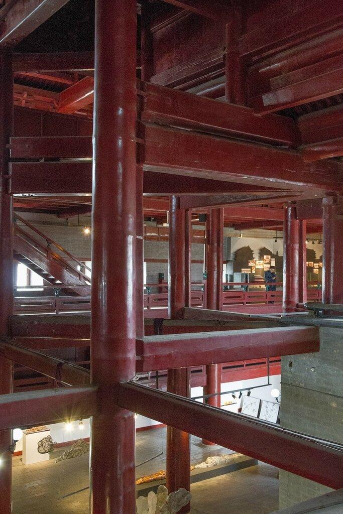 Балки внутри сторожевой башни
