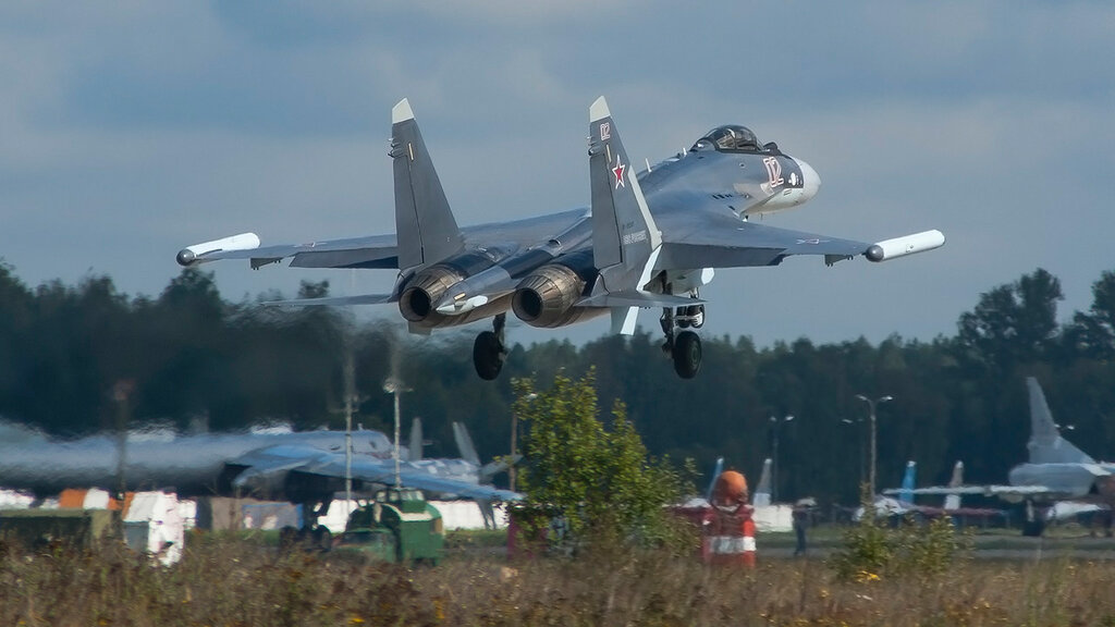 RF-95243 02RED SU35(S) Russian Air Force UUMB 2.jpg