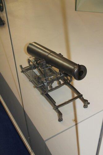 Модель крепостного орудия на железном лафете образца 1848 г. конструкции полковника Венгловского