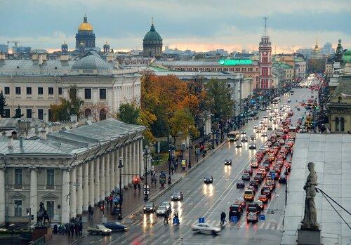 Дождливый вечер на Невском...