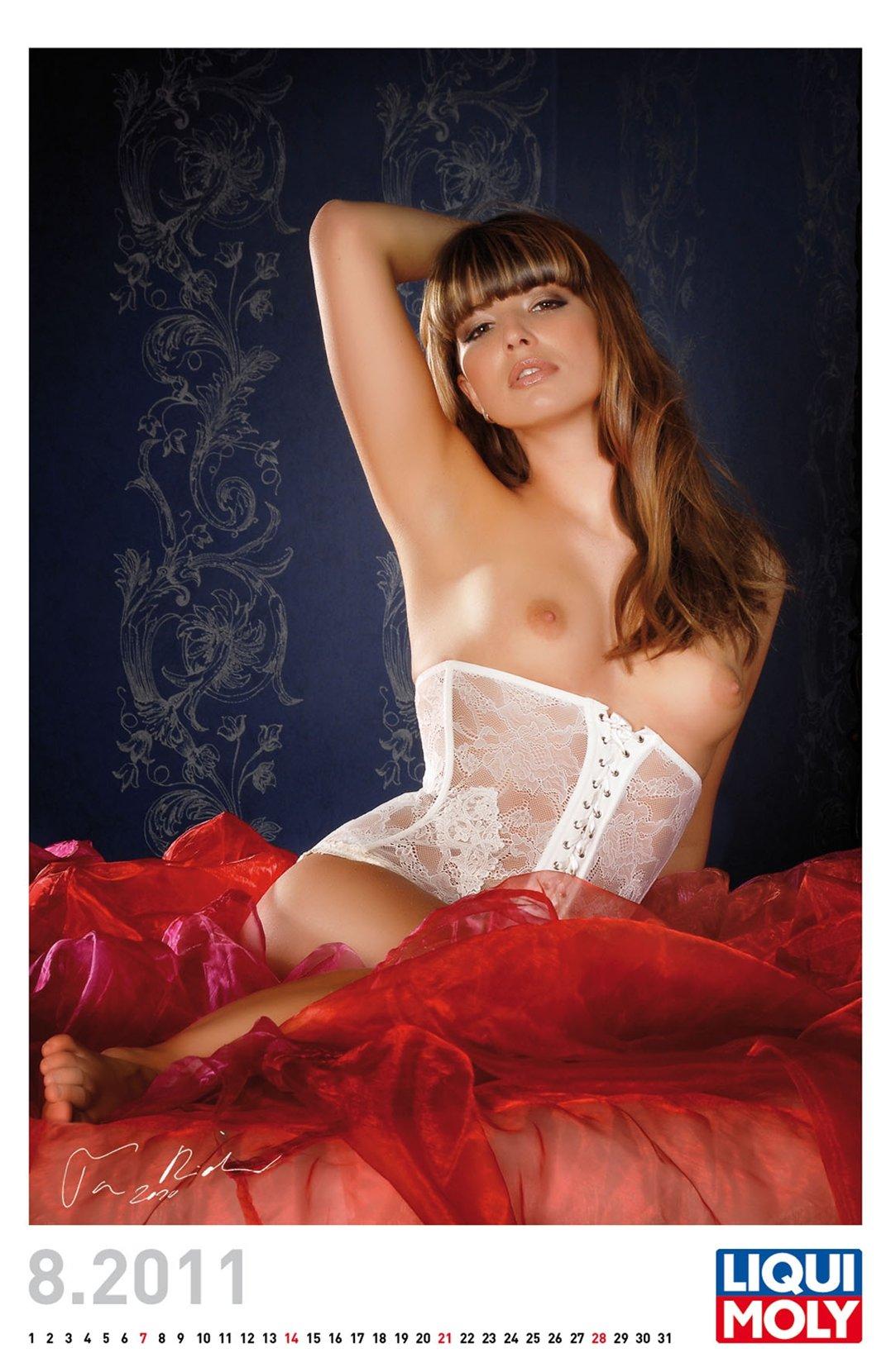 эротический календарь Liqui Moly calendar 2011 - август