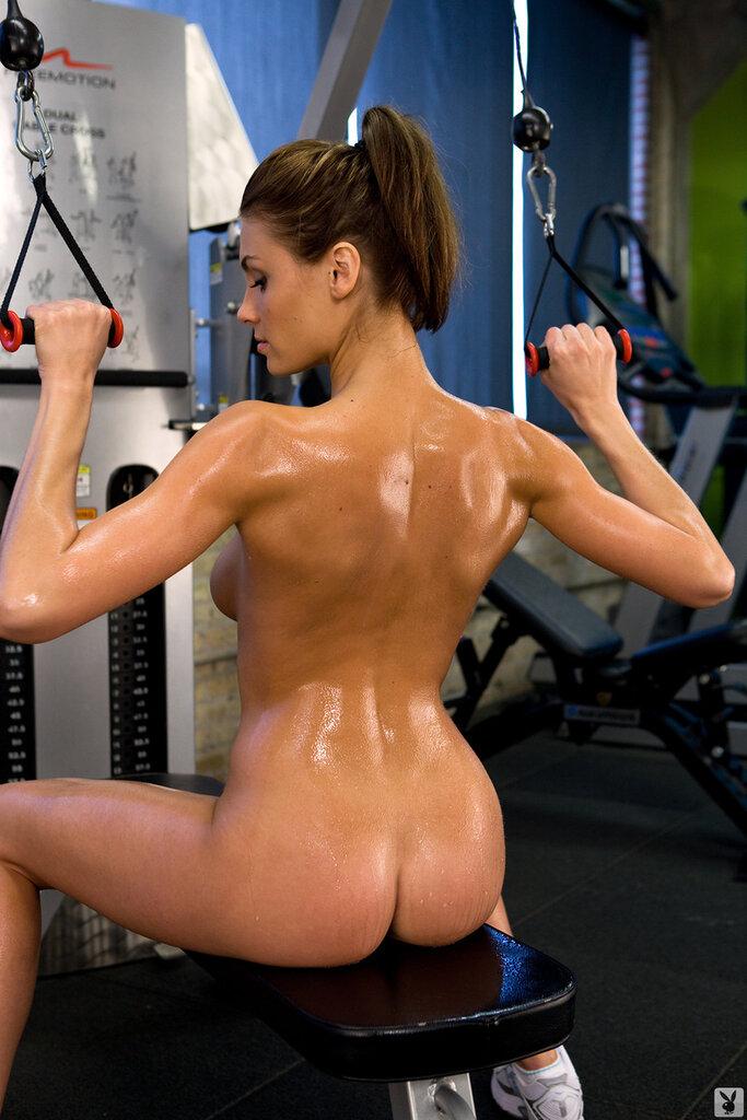 eroticheskoe-zanyatie-sportom
