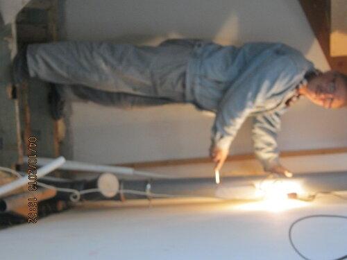 Инструктор демонстрирует абстрактно-пространственно структуру построенной конструкции.