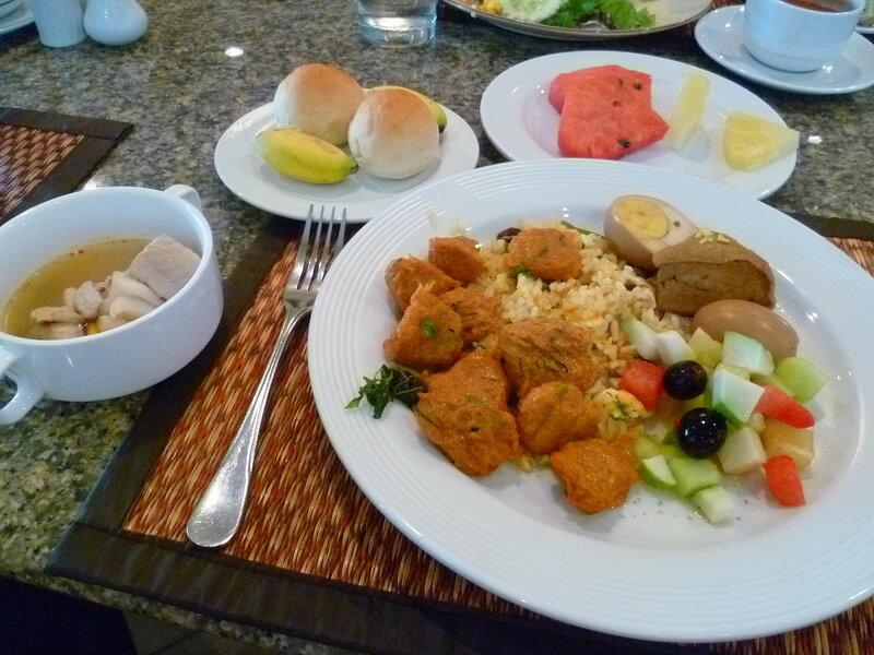 "Таиланд - ""шведский стол"" (Thailand - ""buffet"")."