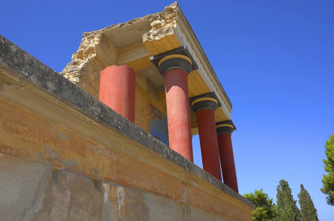 У колонн