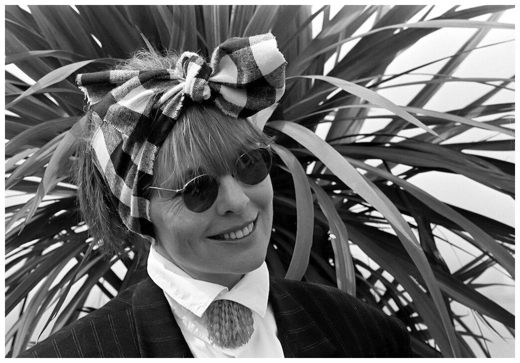 1987. Дайан Китон прибывает на пресс-конференции на 40-м Международном Каннском кинофестивале, где она представила свой фильм, «Небо». 12 мая 1987 года.