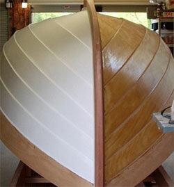 Покраска корпуса лодки