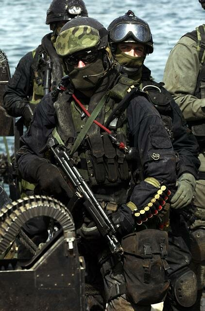 POLISH SPECIAL FORCES IN THE PORT OF UMM-QASR IN SOUTHERN IRAQ