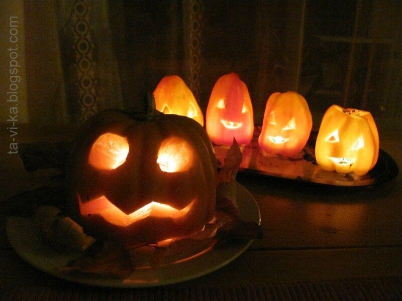 тыква-фонарик на Хэллоуин
