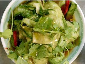 Салат из огурцов готов
