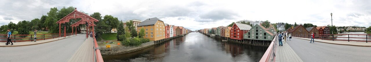 Trondheim. The old bridge (Gamle Bybrua), panorama
