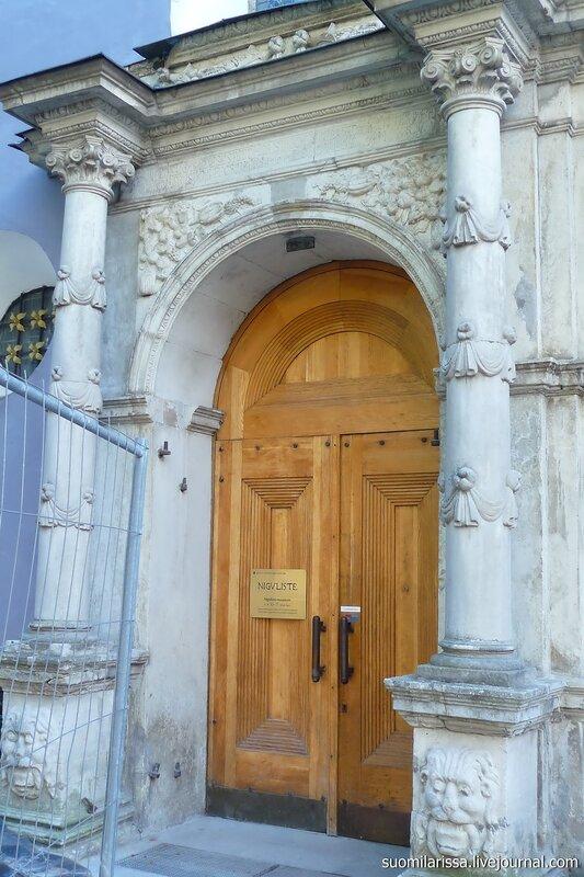 Портал церкви Нигулисте.