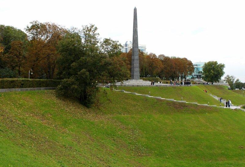 Стела парка Славы