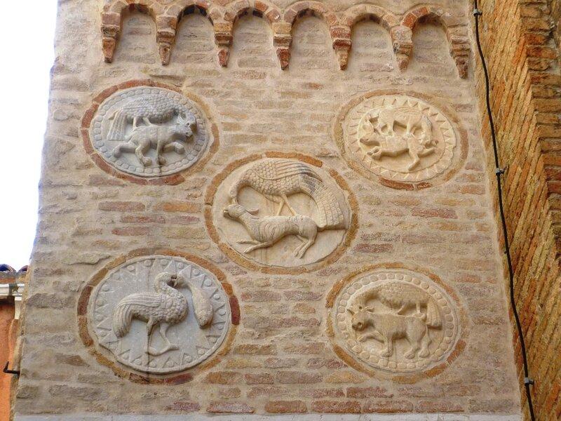 Италия. Венеция. Панно на церкви. (Italy. Venice. Panels on the church)