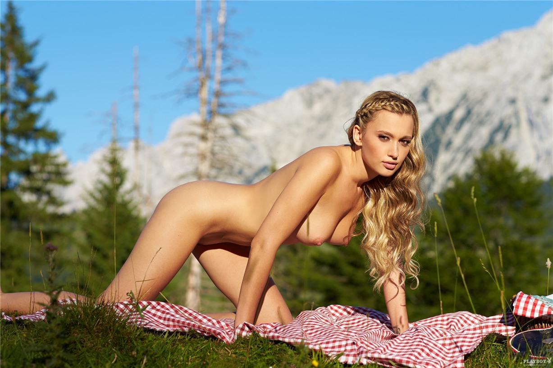 Девушка месяца Каролина Витковска / Karolina Witkowska - Playboy Germany october 2013 playmate