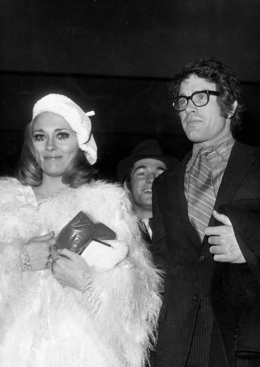 Faye DUNAWAY und Warren BEATTY, Premiere von 'Bonnie und Clyde', Paris 1968