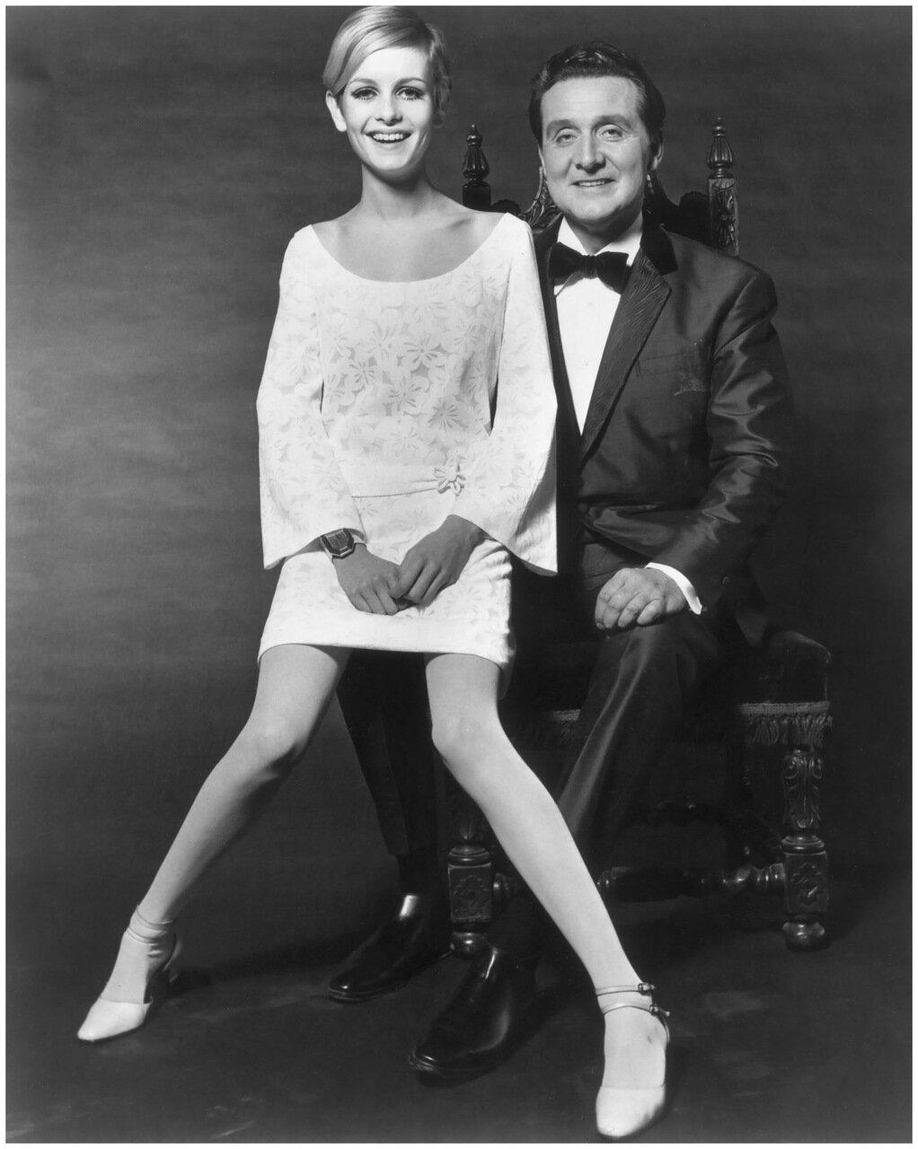 1966. Британская модель Твигги с актером Патриком Макни