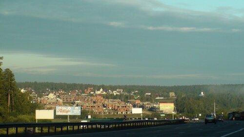 16.8 км Новорижского шоссе. Вид на долину р. Истра и КП Барселона