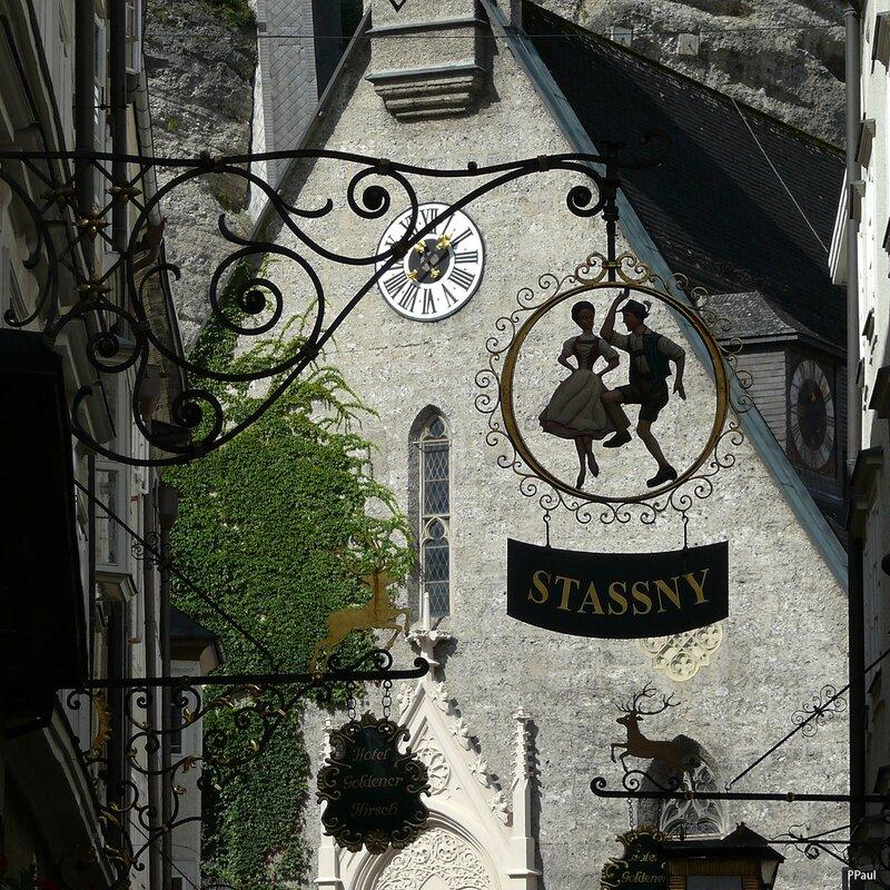 немного Зальцбурга... Вывески старого города....