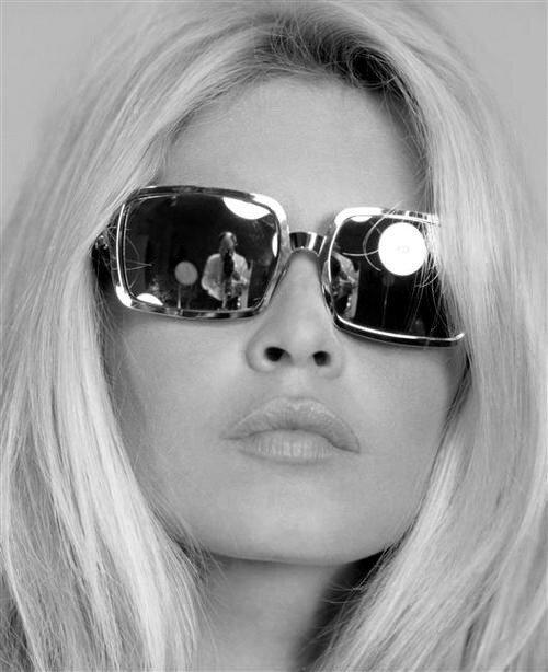 очки и Бриджит