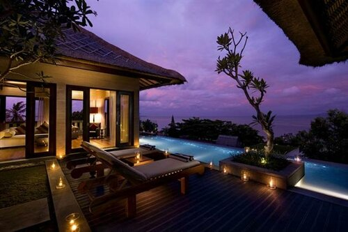 Экзотический отель на Мальдивах