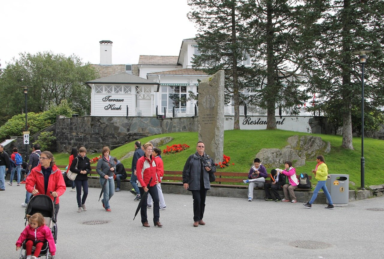 Берген, обзорная площадка на горе Флейн. Bergen, Mount Floyen viewing platform,