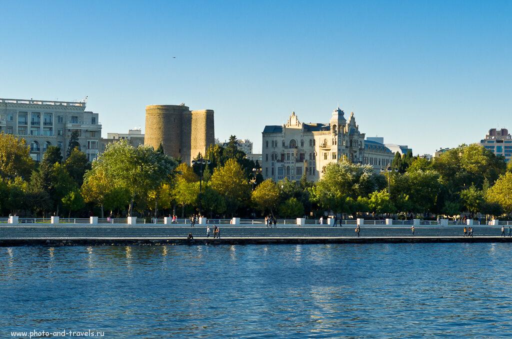 Фото 4. Вид на Девичью башню со стороны моря. Отчет об экскурсии по Баку.