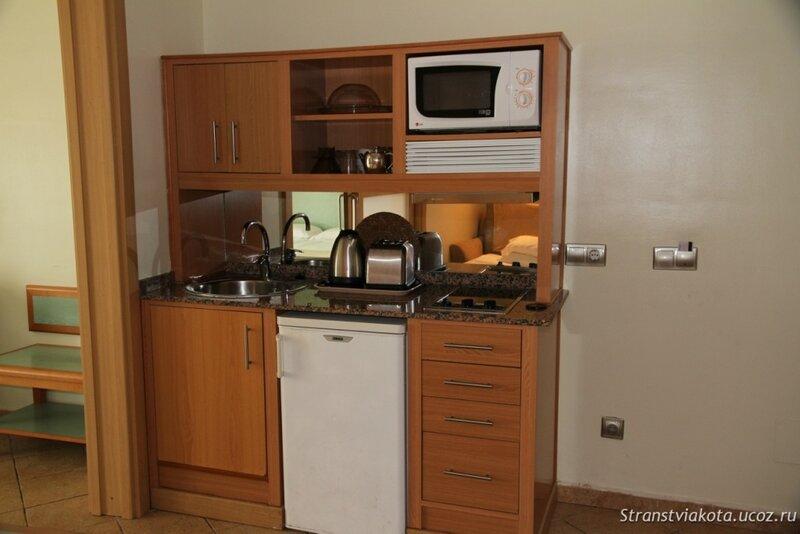 Мини-кухня в апартаменте в Sol Lanzarote