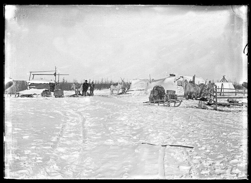Якутское стойбище под Аудолакхом, Сибирь, 1902