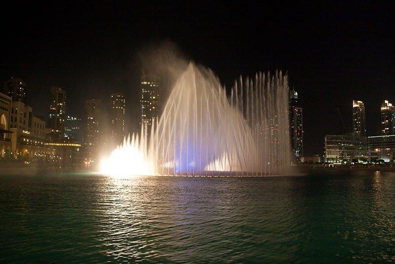 Шоу дубайских фонтанов