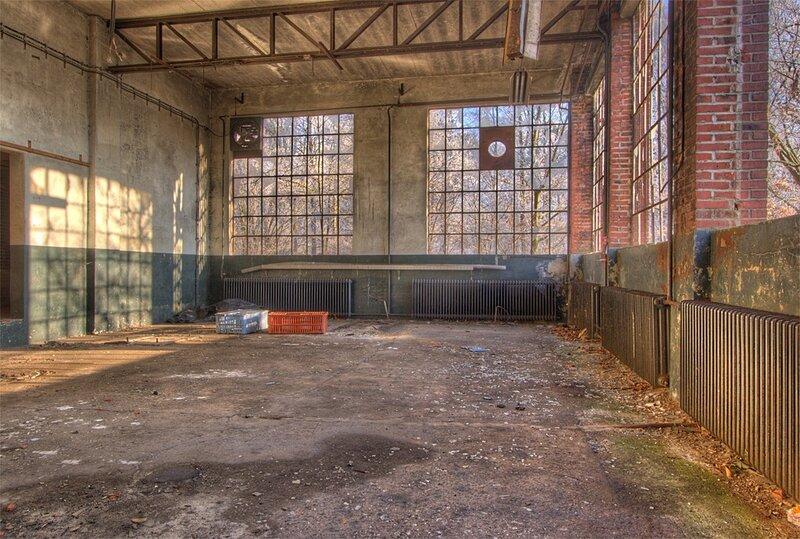 Заброшенный завод в Англии