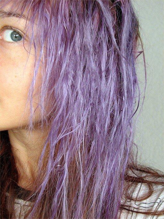 Как вывести фиолетовый цвет с волос