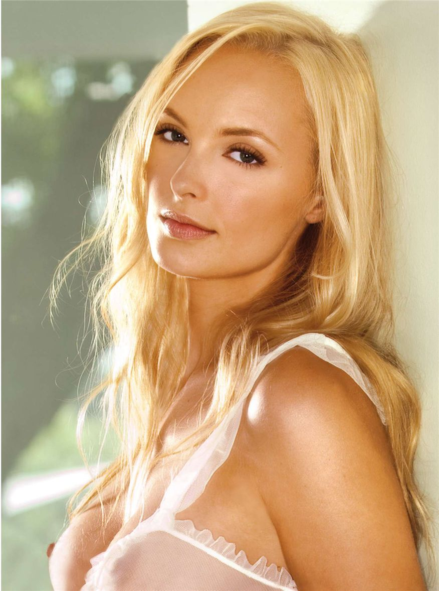Shera Bechard by Stephen Wayda in Playboy USA november 2010 - HQ