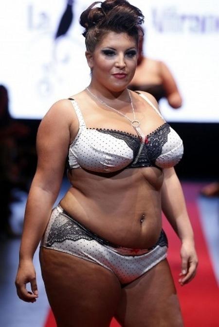 Фото толстушек нижним белье фото 80-388