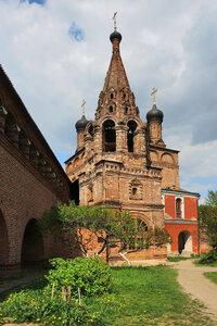 Колокольня Успенского собора на Крутицком подворье