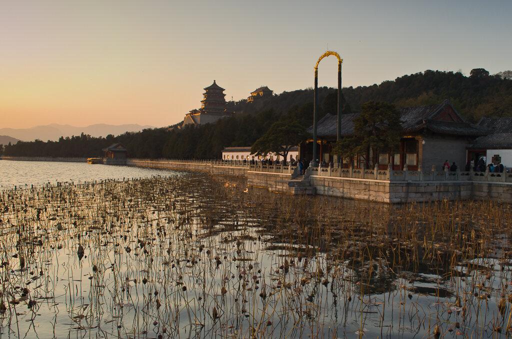 Фотография. Панорама прака Ихэюань у Летнего императорского дворца в Пекине