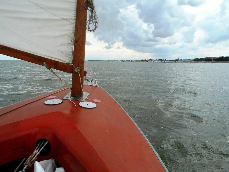В день ветренный, праздничный, яхтенный. ... DSCN2927.JPG