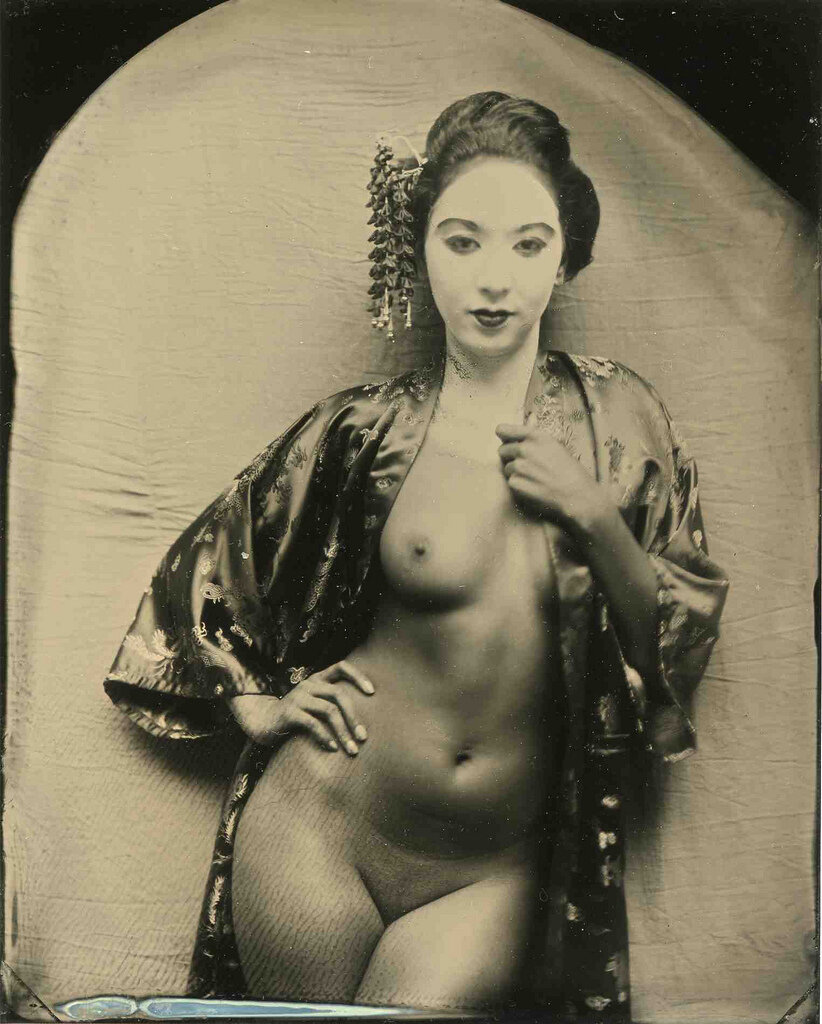 golie-yaponki-retro-foto