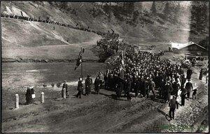 Мотовилиха. Колонна рабочих пушечных заводов Мотовилихи в «День Свободы»