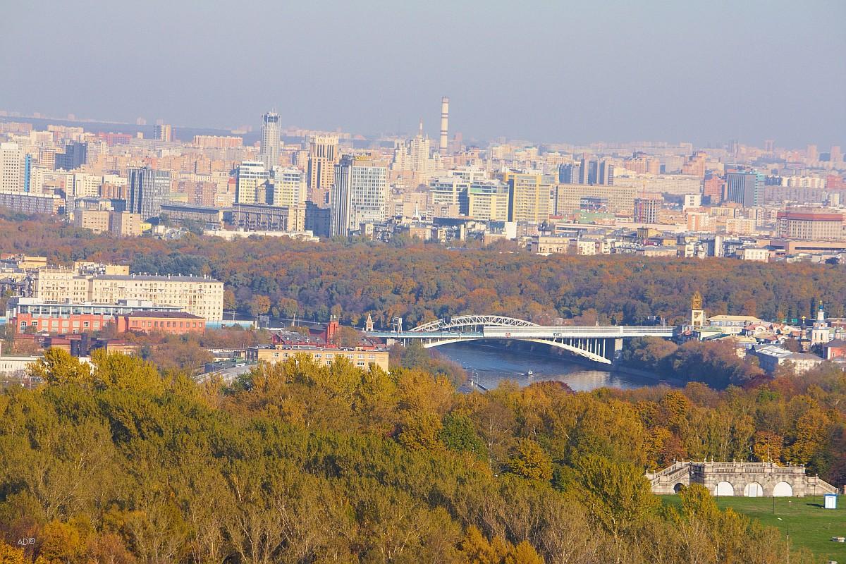 Москва из окна главного корпуса МГУ