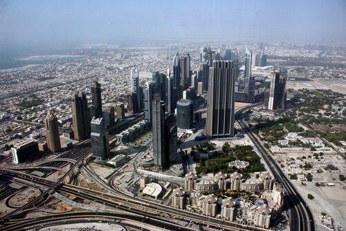 Центральная улица Дубаи.
