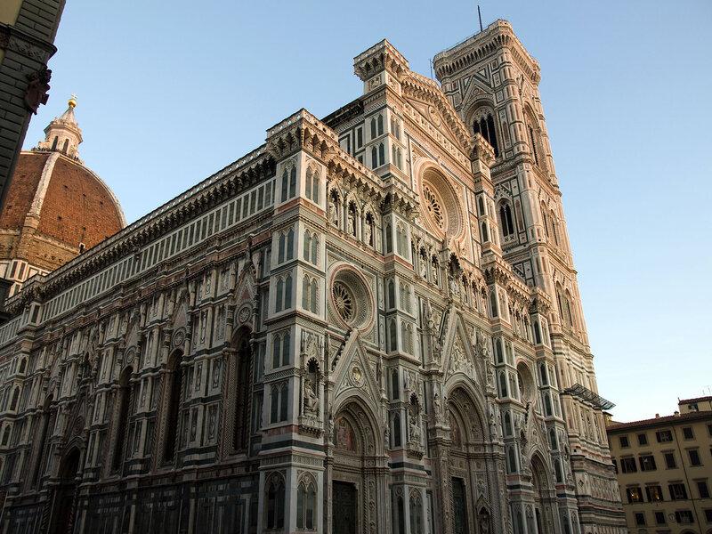 А в центре Флоренции собор Санта Мария дель Фиоре
