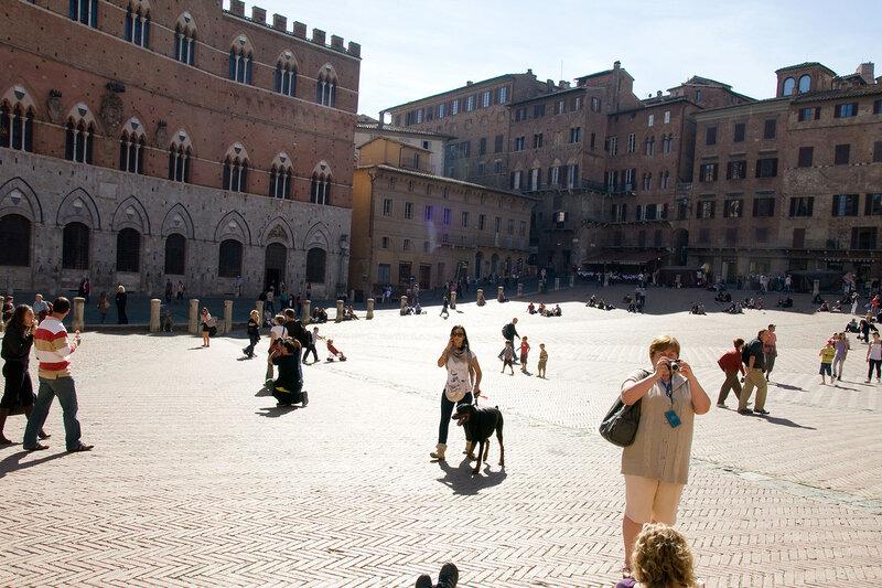 На центральной площади Сиены