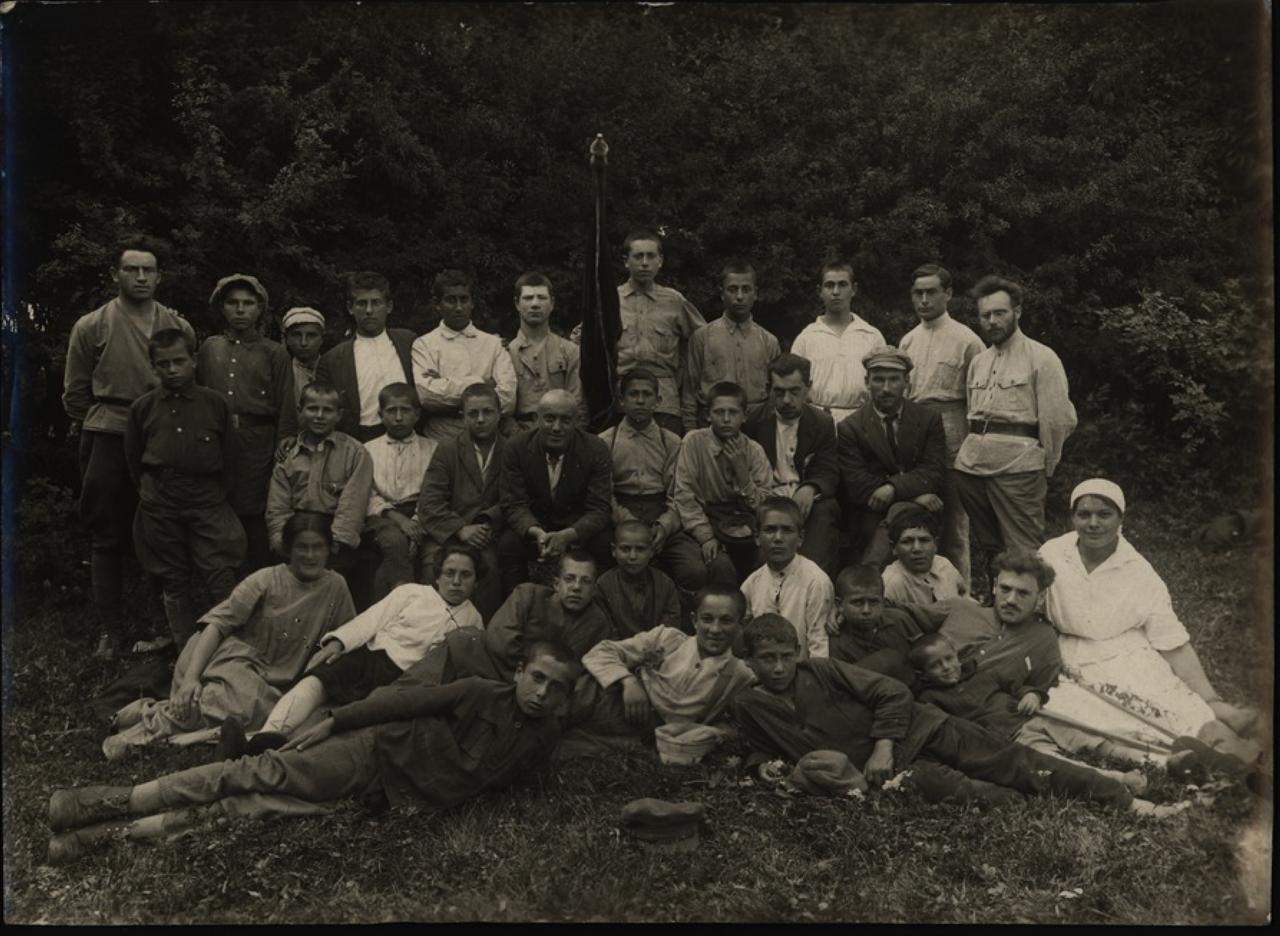 Сельскохозяйственная школа (ферма) под Минском. Общее собрание.1922